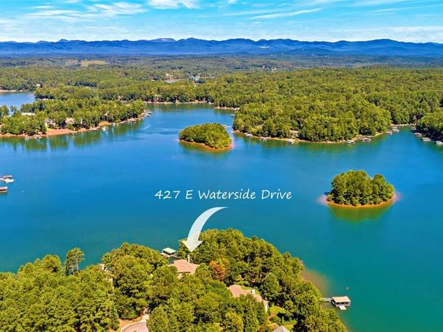 Photo of 427 E Waterside Drive