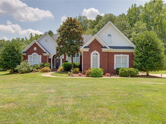 Photo of 227 Chestnut Springs Way