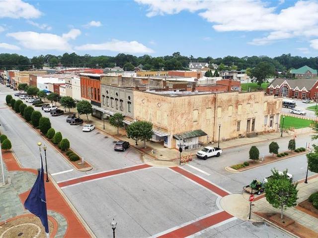 Photo of 235 Main Street