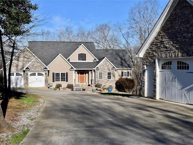 Photo of 227 Inlet Pointe Drive