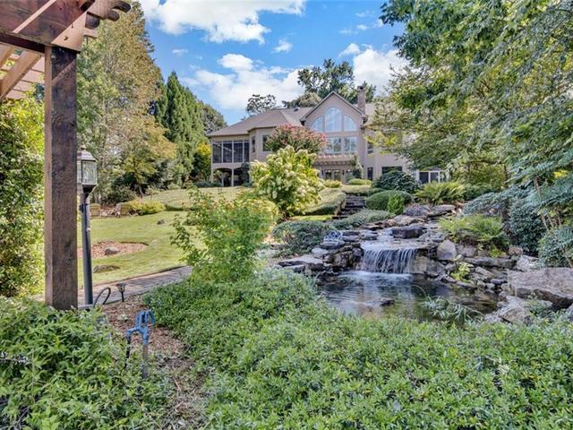 Photo of 810 Clifton Court