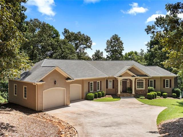 Photo of 114 Crest Pointe Drive